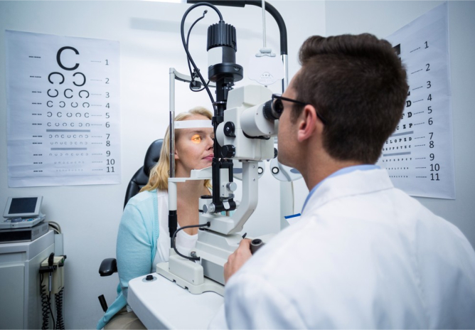 Warning Signs of Vision Problems in the Elderly
